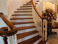 Лестницы деревянные для дома и дачи Компания Стройкомплект предлагает лестницы из дерева для дома и дачи. Лестницы выполнены из массива дерева дуба, б, Екатеринбург - Строительные материалы